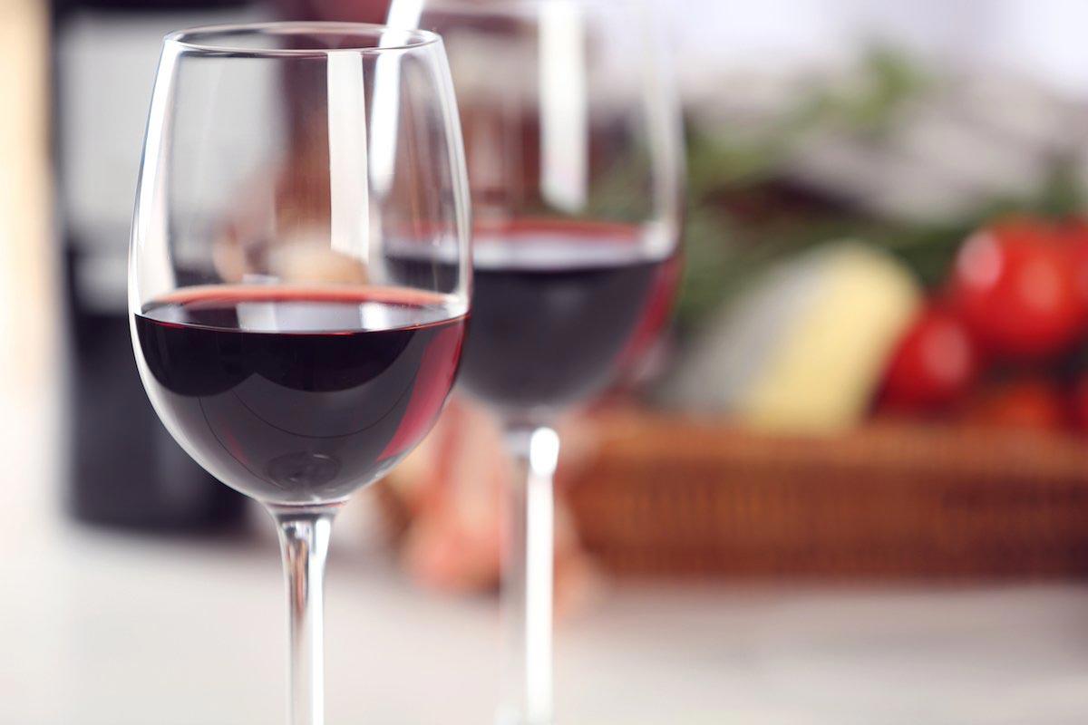 Evde kuş kirazından şarap yapma